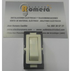 ENCHUFE 10 A 250 V